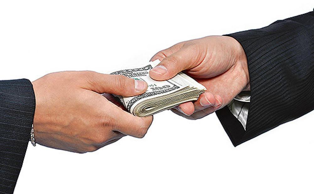 Mums ir jāpelna nauda par WMZ vai citas valūtas automātisko sērfošanu.