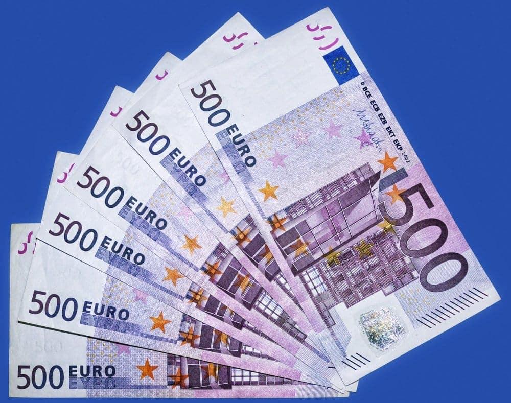 kur nopelnīt naudu skaidrā naudā)