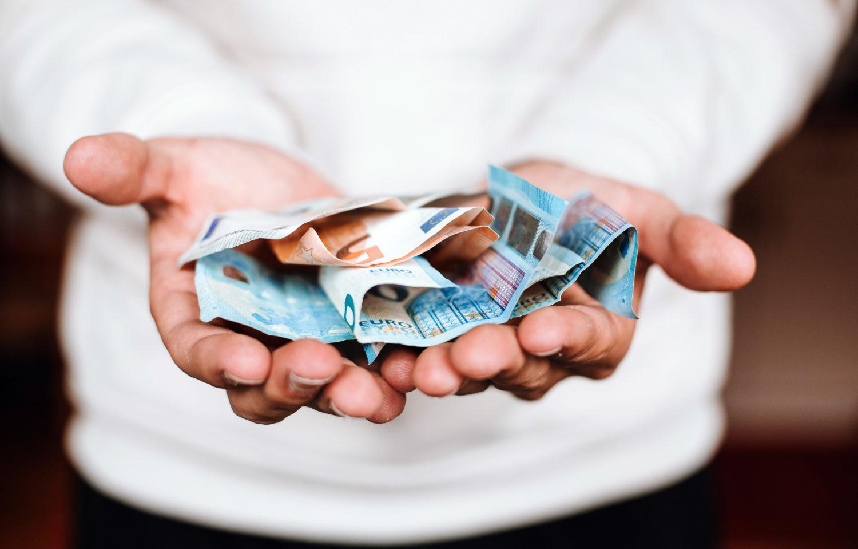 Ātrie kredīti – Ātra nauda ko viegli notērēt?