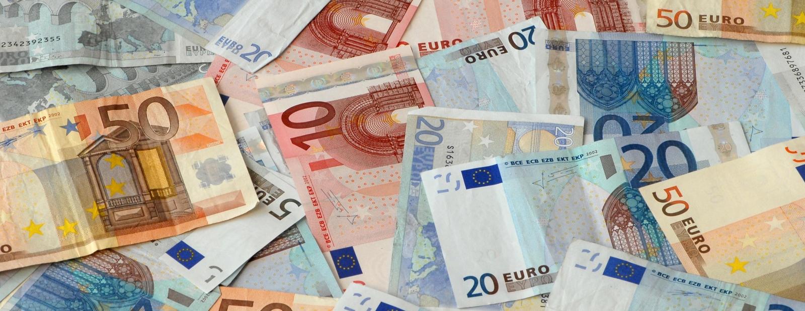nopelnīt naudu nelegāli