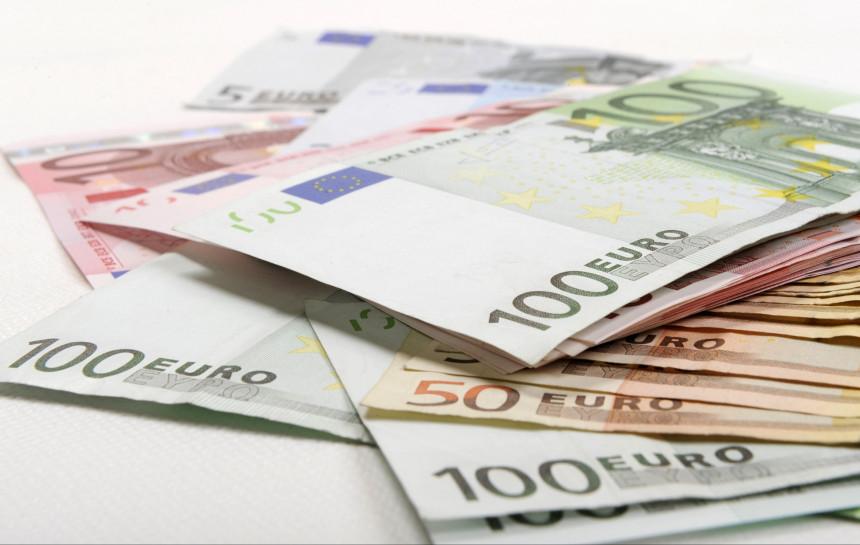 kā nopelnīt savu pirmo naudu biržā