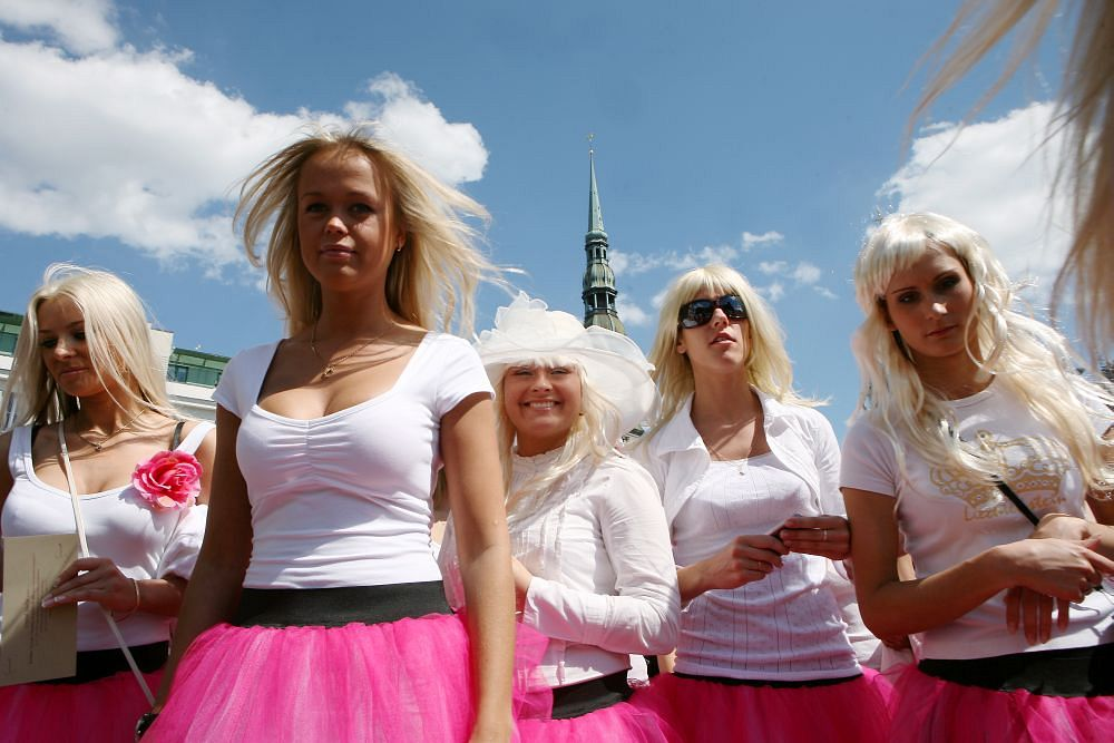 Fatālās, likumīgās, modernās blondīnes