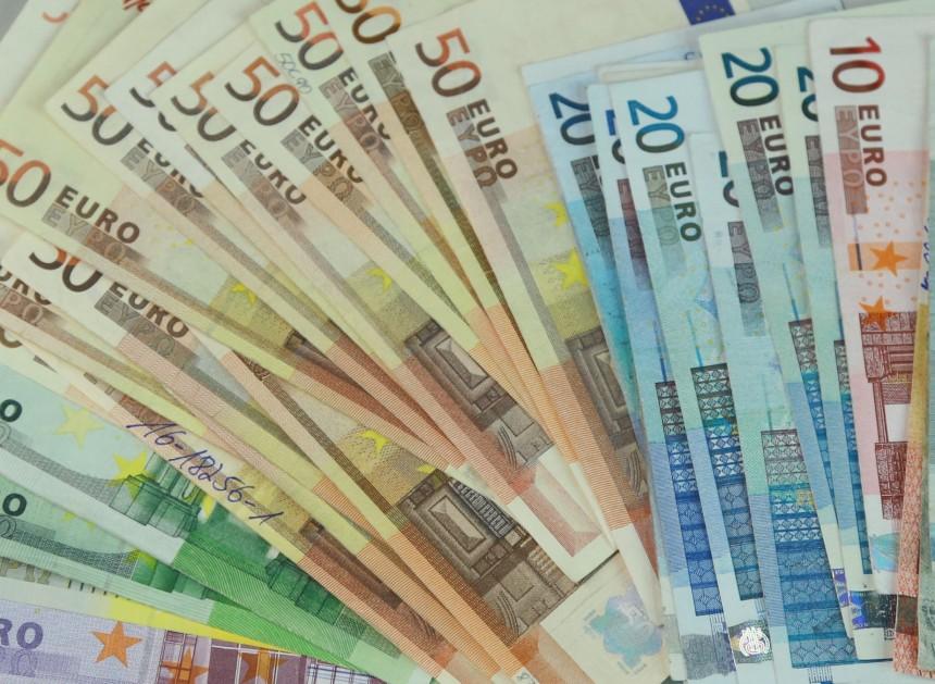 viltīga nauda internetā)