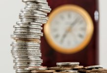 kā nopelnīt naudu tiešsaistē nepilngadīgajiem