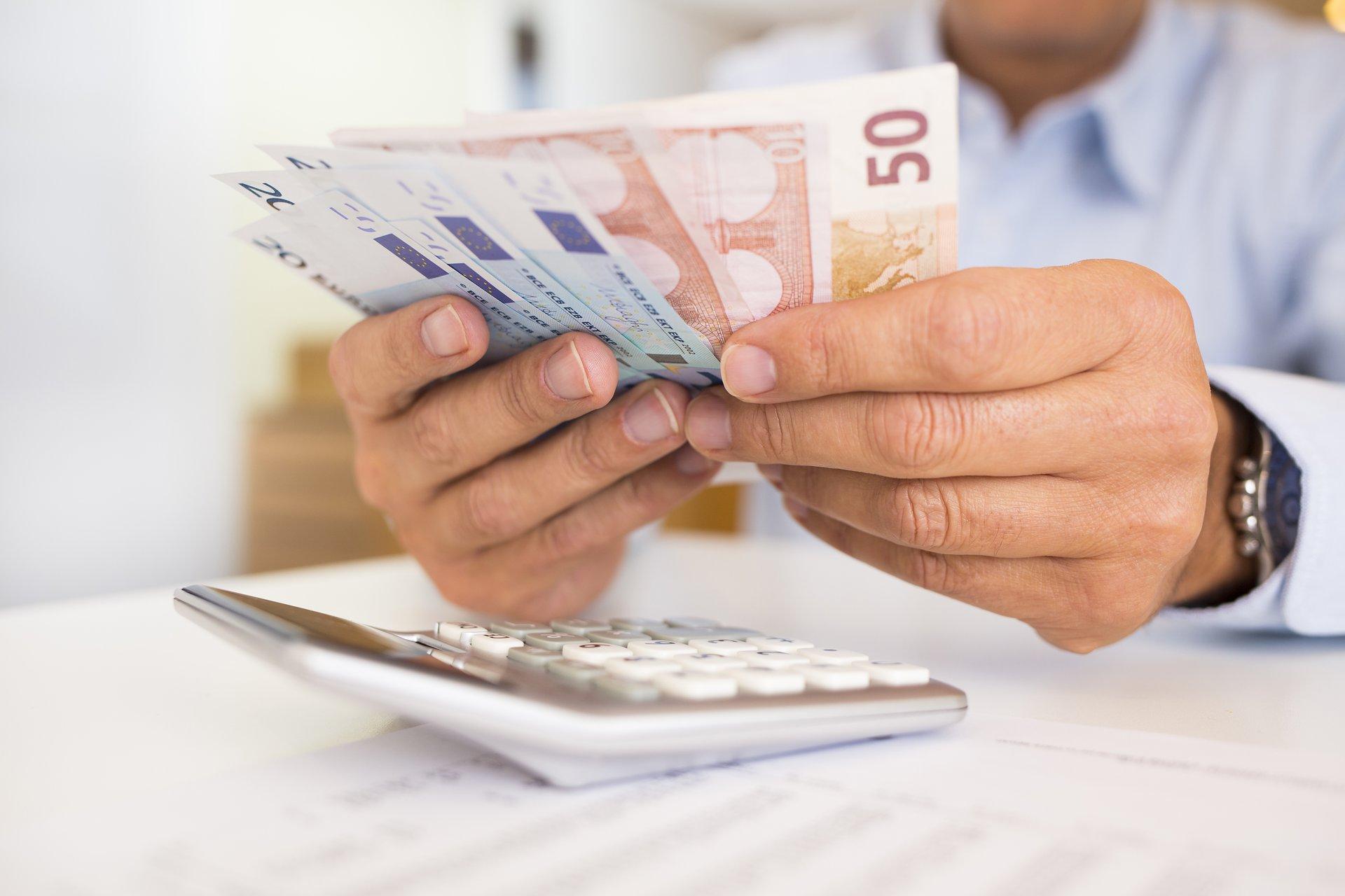 Ātri veidot naudu tiešsaistē šodien, frīlancings...