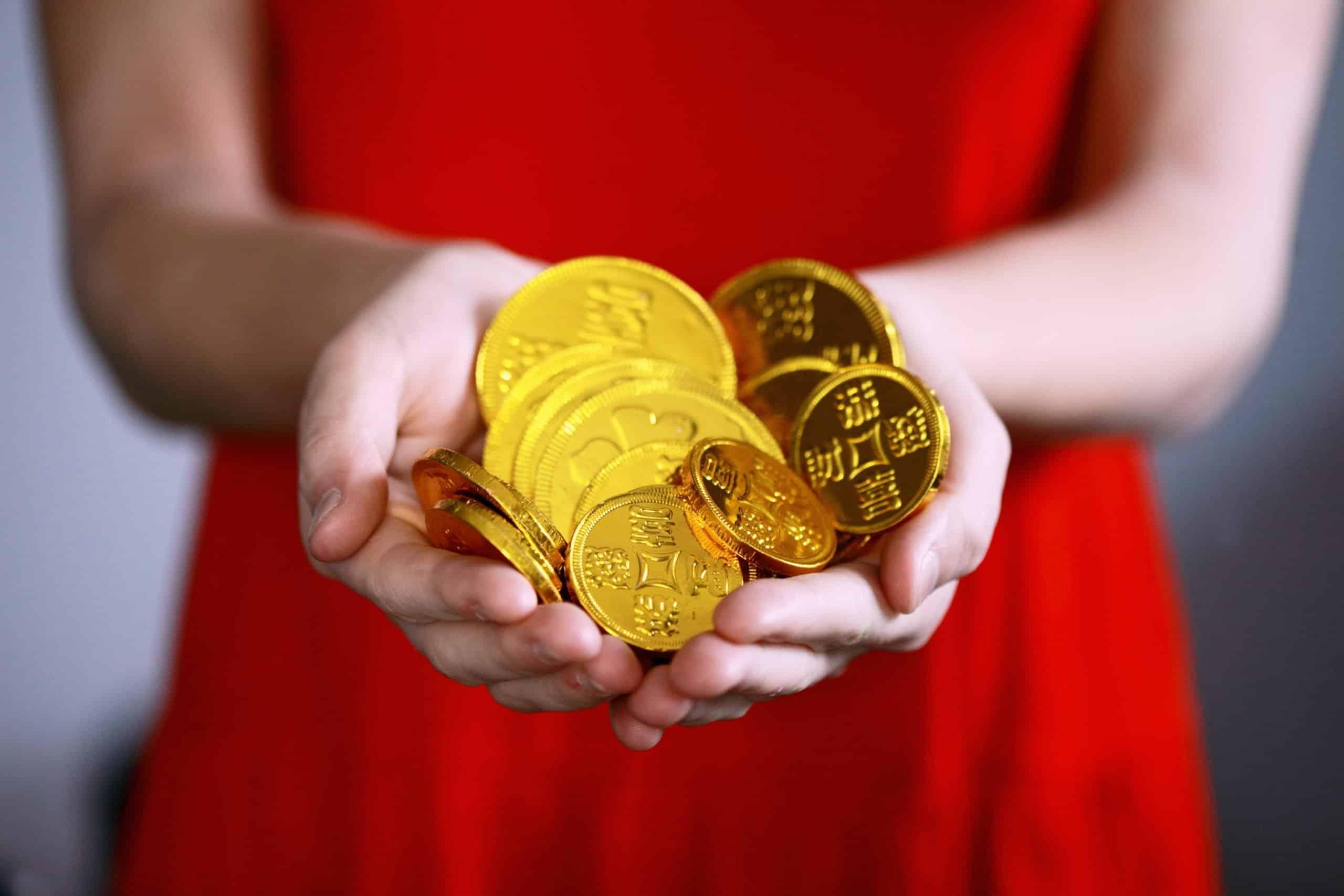 nepieciešama naudas palīdzība, lai nopelnītu