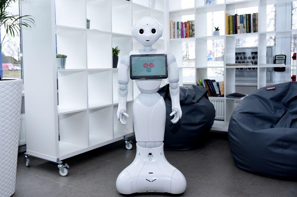 tirdzniecības robotu izstrāde pēc pasūtījuma)