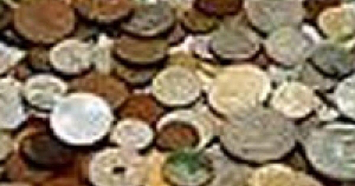 jaunas studentes sievietes pelna naudu tiešsaistē)