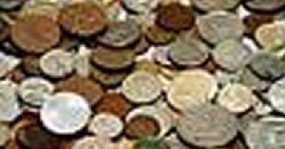 Studentes pelna naudu, pārdodot savas lietotās apakšbikses