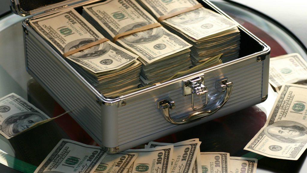 naudas pelnīšanas shēmas ziņu tirdzniecībā)
