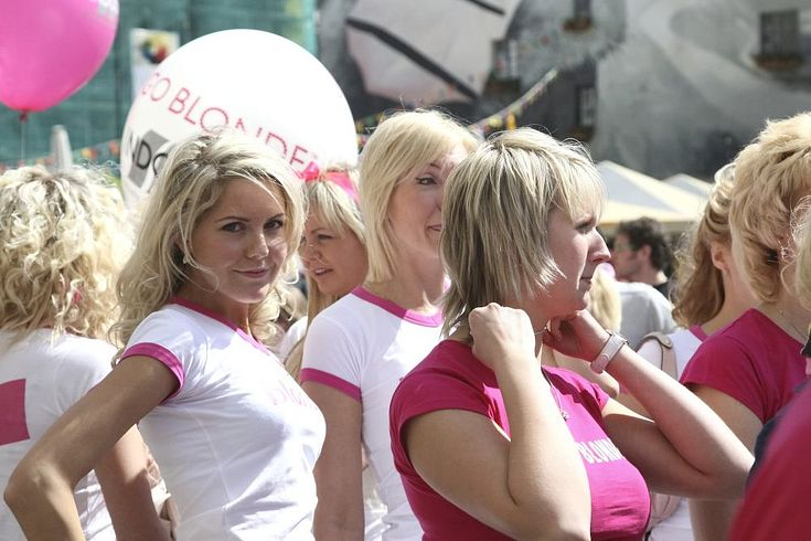 tirdzniecība ar blondīnēm