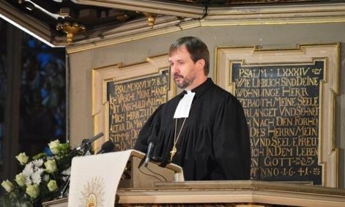 Komentāri - Mācītāju vidū nav vienprātības par Rubeņa vietu baznīcā - baltumantojums.lv