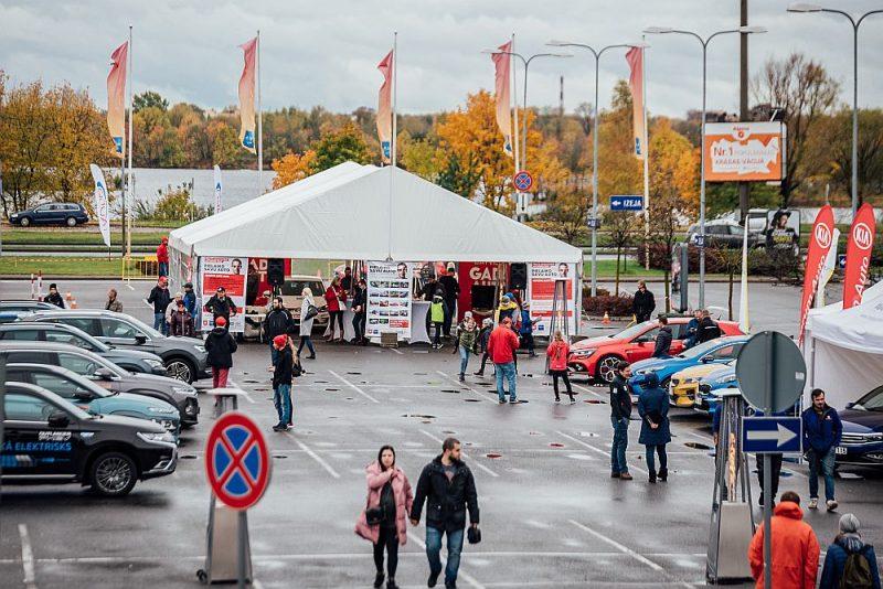 auto tirdzniecības konkursi