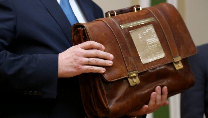 portfelis ar opcijām kā ātri nopelnīt naudu terā