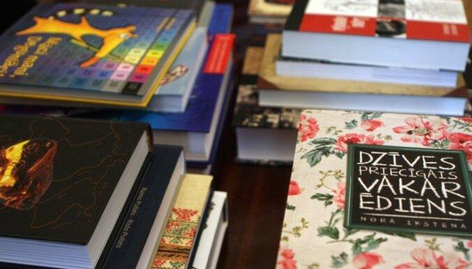 literatūra par binārajām opcijām