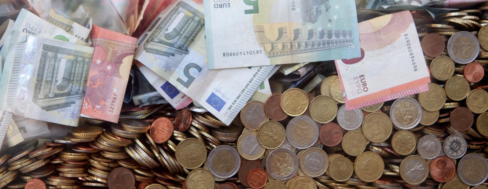 Maiņa kā iegūt naudu no tīmekļa vietnes Galu