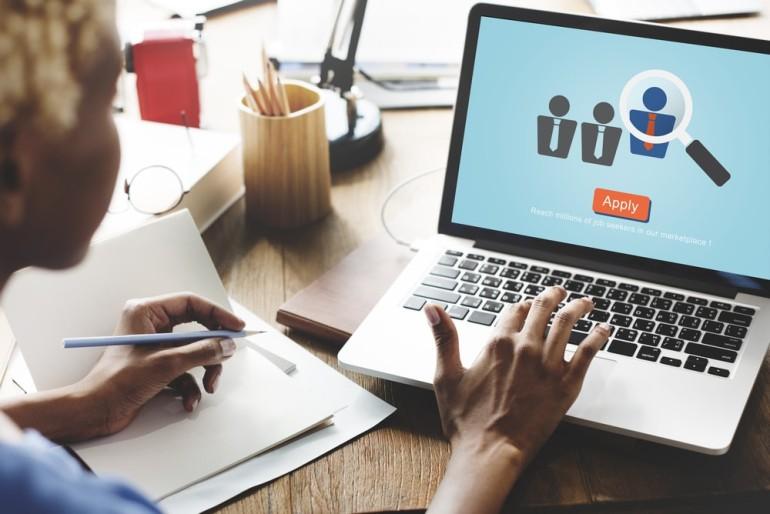 izveidot sludinājumu internetā interneta ieņēmumu uzraudzība