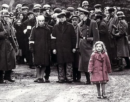 Holokausta noliegšana - Spoki