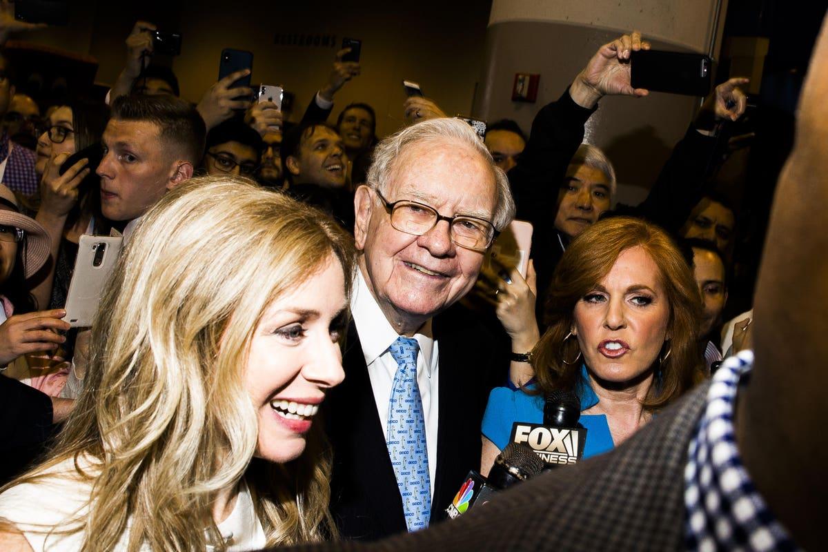 Warren buffet iegulda bitcoin
