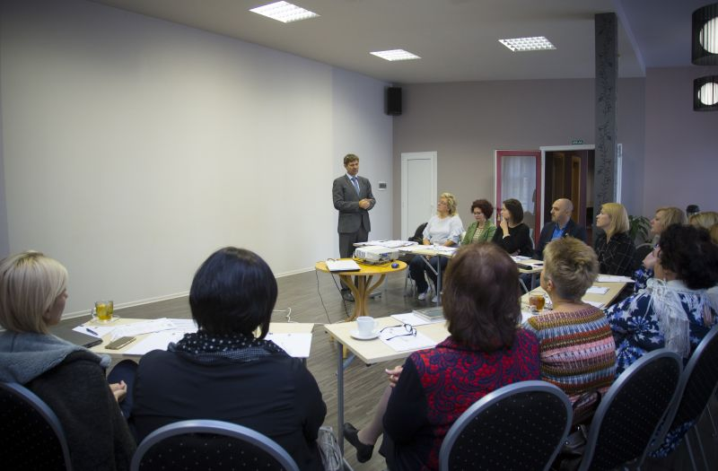 seminārs par tirdzniecību)