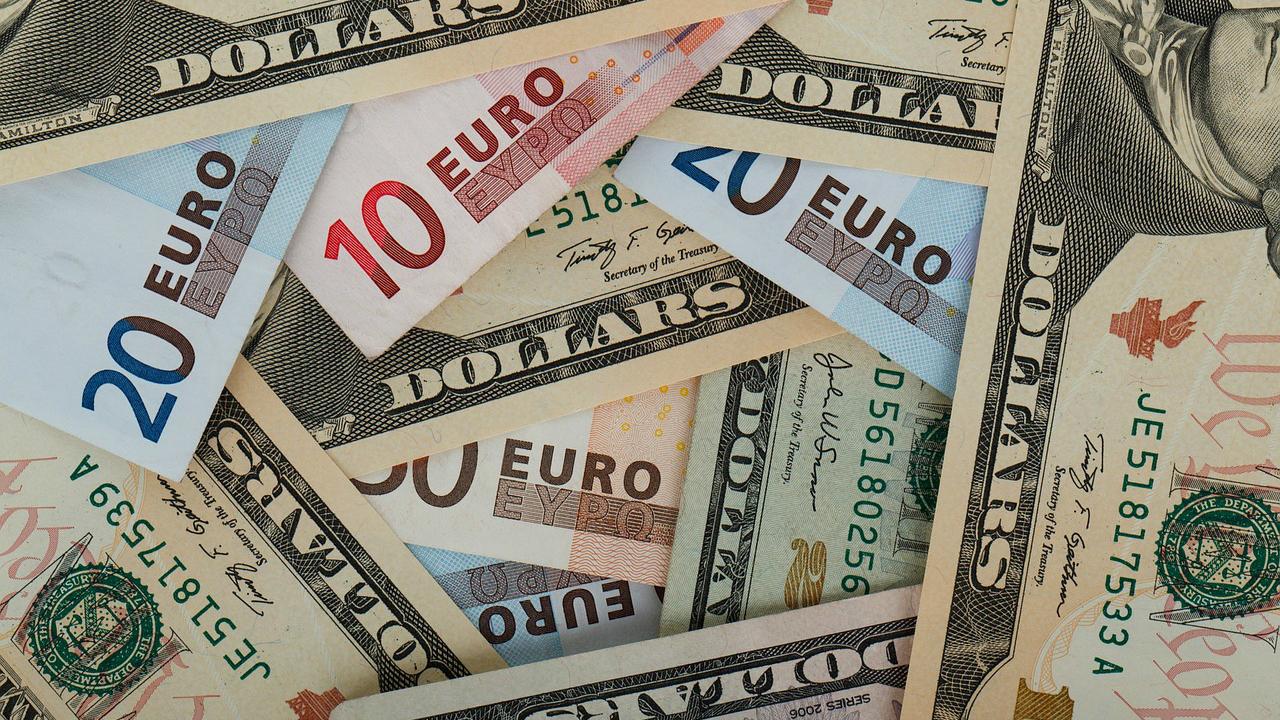 naudas maiņa ieguldi bitkoīnu freerollos