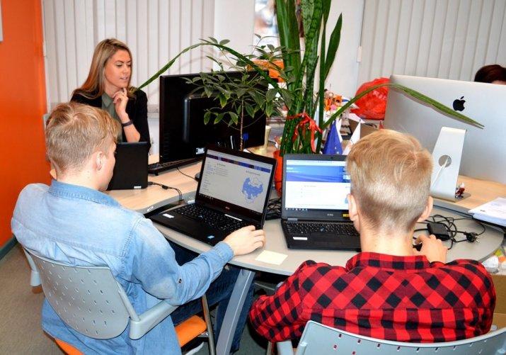 Pedagogiem nodrošināta iespēja bez maksas pilnveidot digitālās prasmes
