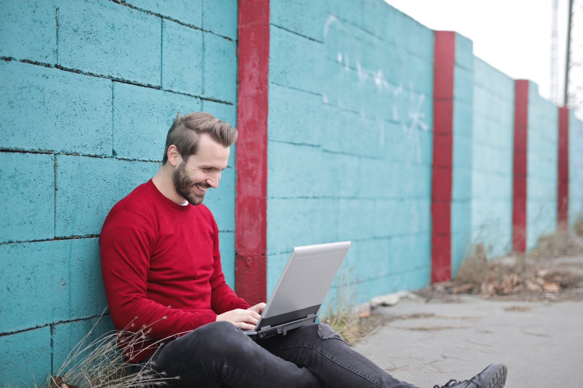 strādāt internetā, cik viņi nopelna)