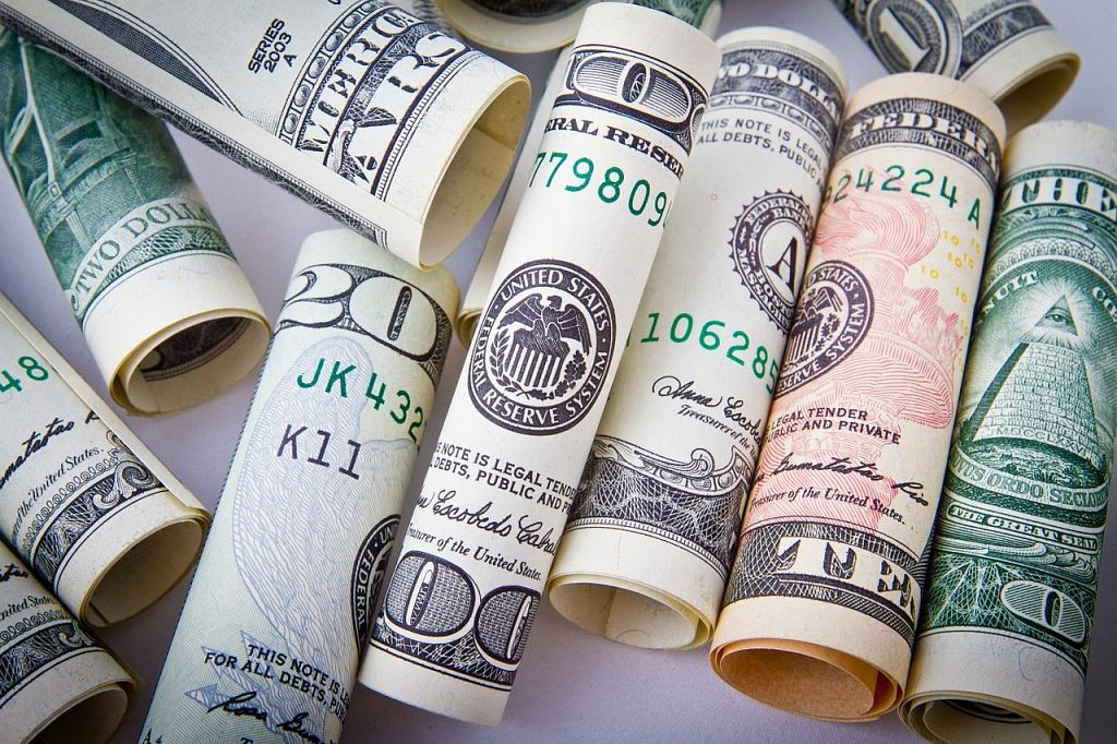Mans-piens USD/JPY valūtas pāra tirdzniecība iegulda kriptonauda labi