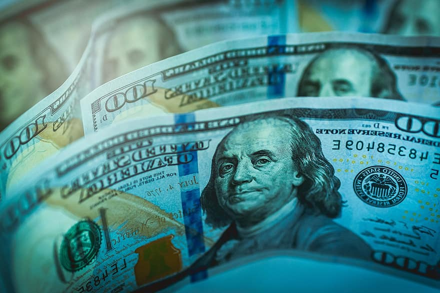 nopelnīt naudu ar dolāriem)