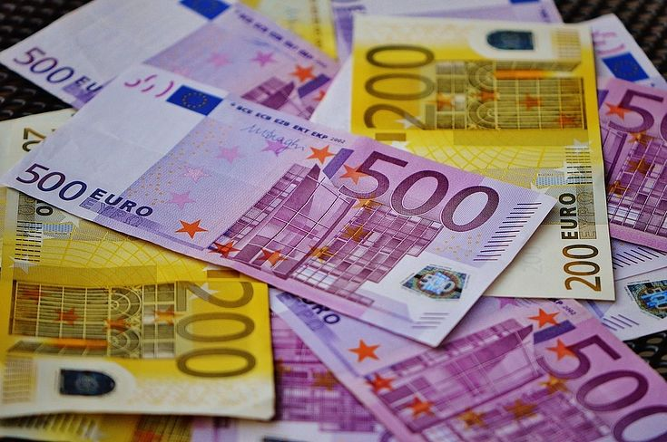 Krāpnieki, piekļūstot personu datiem, no kādas sievietes izkrāpj 150 tūkstošus eiro