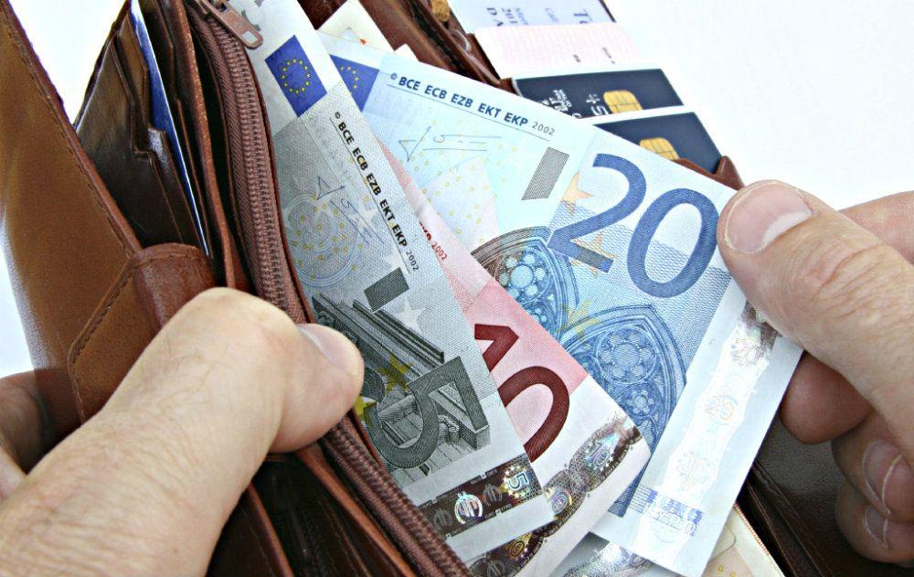 ātri nopelnīt naudu par mājokli)