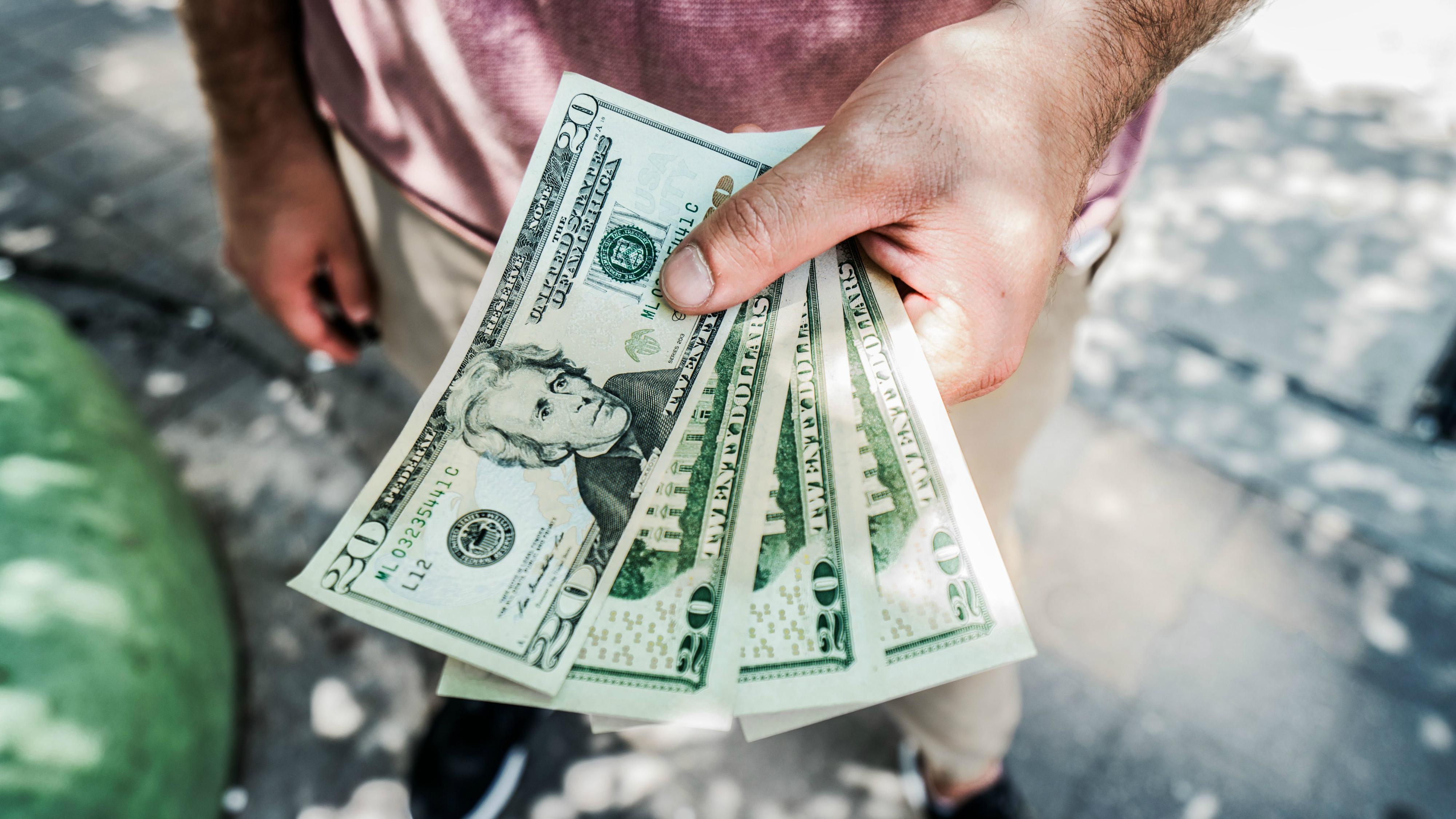 ir vēlme strādāt un nopelnīt naudu