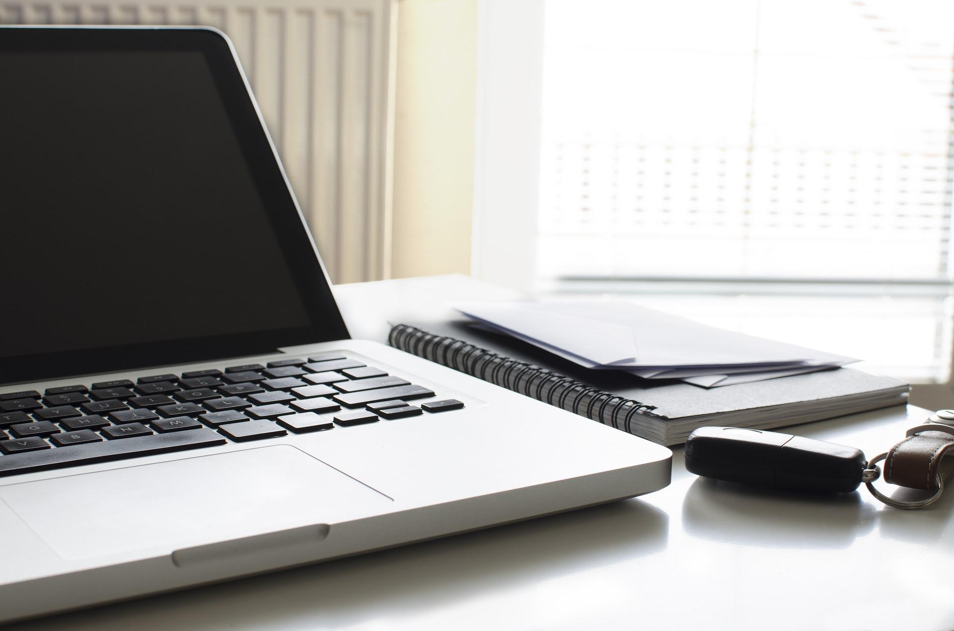 Darbs no Mājām: Kā Pelnīt Naudu Internetā gadā | baltumantojums.lv