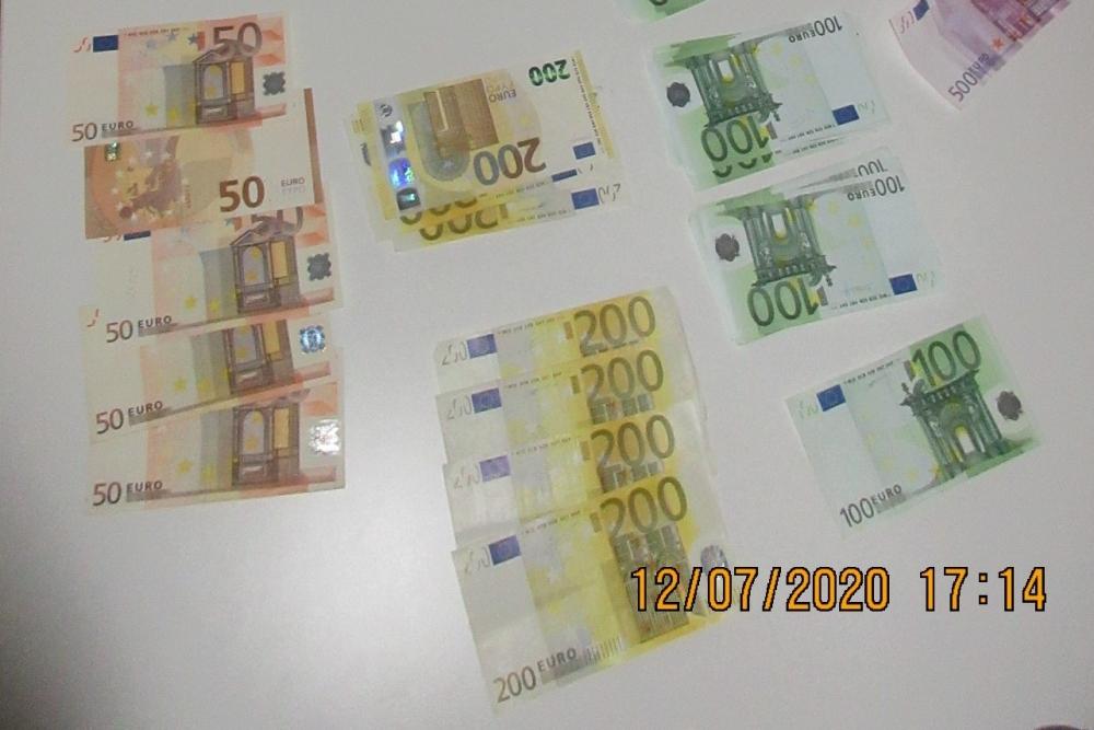 ieņēmumi internetā eiro
