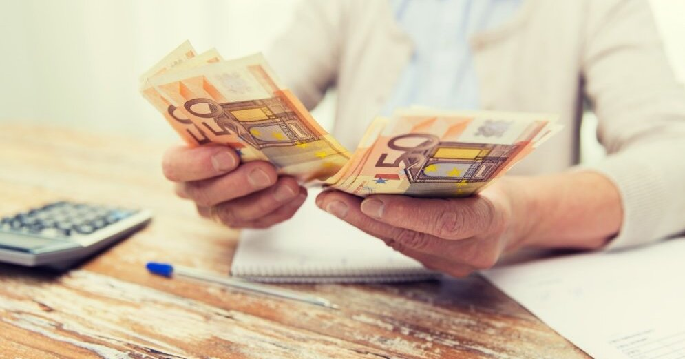 kā nopelnīt naudu pensionāru naudai)