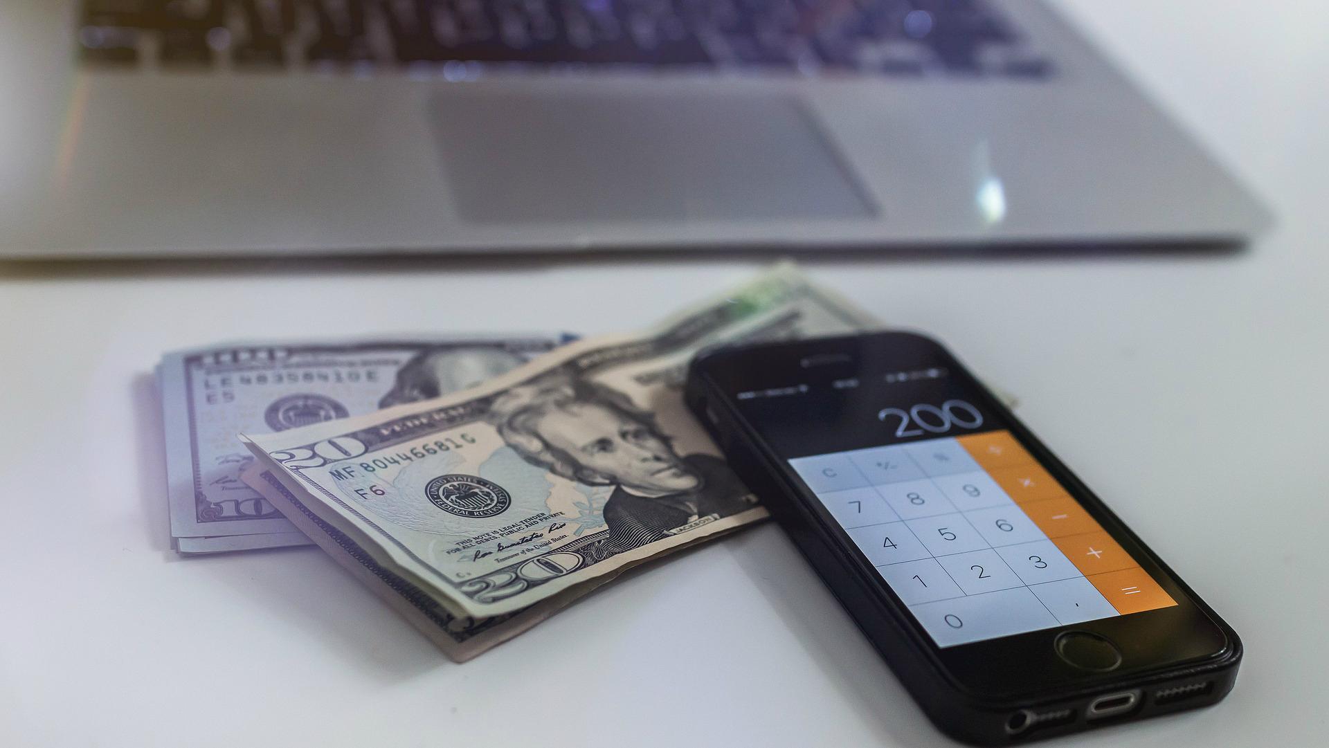 kā nopelnīt savu pirmo naudu dzīvē