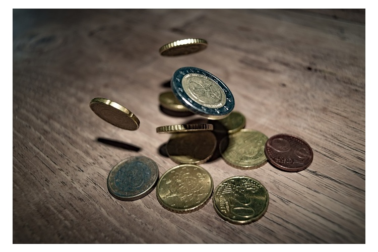 nopelnīt naudu, atverot vietni